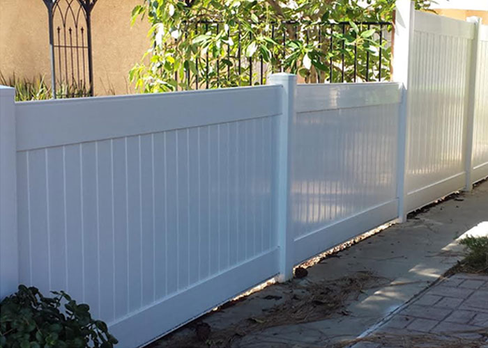White Privacy Vinyl Fence Los Angeles