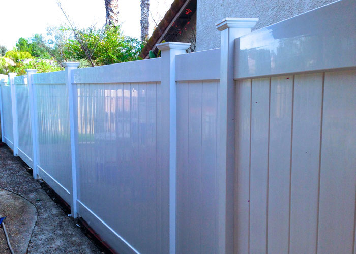 Lake Forest 6 Foot Vinyl Privacy Fencing